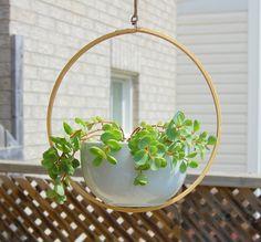 space saving ideas small balcony garden hanging planter DIY ideas