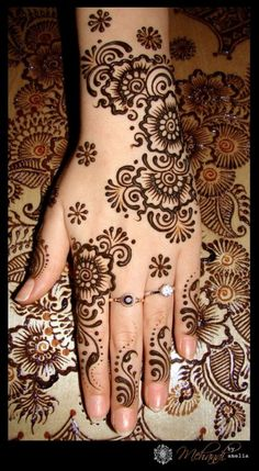 21 Mehendi designs with facts | Exploring Indian Wedding Trends Back Hand Mehndi Designs, Eid Mehndi Designs, Simple Mehndi Designs, Hand Henna, Hand Tattoos, Makeup Tips, Make Up Tips, Makeup Tricks, Arm Tattoos