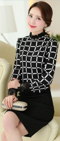 Black and White Square Printed Blouse with Mandarin Collar YRB0634