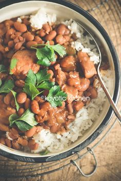 Let's spice up those boring cans of brown beans that are now collecting dust in your pantry! Seriously, nothing screams autumn more than a big pot of simmering beans on the stove, right? Now let's …