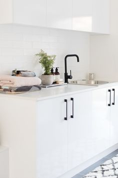 How to style your laundry. Stylish soaps in laundry, laundry style, laundry inspiration, laundry decor, laundry decorating ideas Laundry Decor, Laundry Room Storage, Laundry Room Design, Laundry In Bathroom, Laundry Rooms, Ikea Laundry, Laundry Sorter, Laundry Closet, Mud Rooms