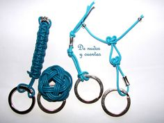 Llaveros azules by De nudos y cuentas, via Flickr-amazing knotting-kumihimo?