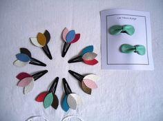 """Barrette clic clac en cuir, modèle """"plumet"""" multicolore, couleur au choix sur commande"""