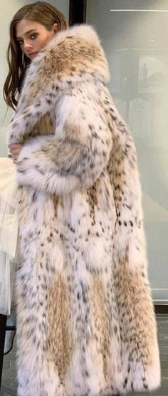 Lynx, Fashion Guide, Fur Coats, Fur Fashion, Girly Outfits, Style Guides, Mantel, Sexy Women, Passion