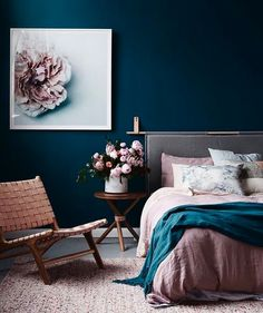 Wow. This bedroom is a serious stunner. The colors are so luscious and rich. Just gorgeous. Want to see how we'd recreate it for less? Double tap now to vote! via @barnaby_lane #CopyCatChic