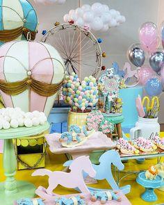 """Priscila Cantinho on Instagram: """"Boa tarde meus amores! É neste cenário, de quarto de brinquedos, que estamos gravando hoje uma aula especial e exclusiva para a primeira e…"""" Desserts, Instagram, Emboss, Good Afternoon, Tailgate Desserts, Deserts, Postres, Dessert, Plated Desserts"""