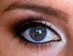 The Vampire Diaries Inspired Makeup: Caroline Forbes