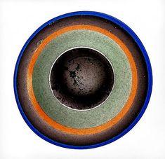 KAJ FRANCK - Art glass plate 'Värirengaslautanen' for Nuutajärvi Notsjö, Finland. [Ø 44 cm] Glass Design, Design Art, Finland, New Pins, Modern Contemporary, Kai, Glass Art, Retro Vintage, Collection