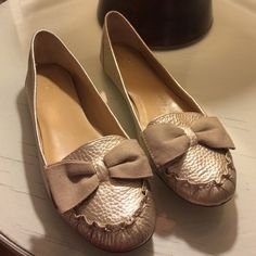 Kate Spade gold metallic flats Adorable!  In EUC!  Worn but no wear to the leather kate spade Shoes Flats & Loafers
