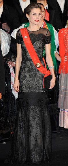 Queen Letizia during the state banquet held for the spanish state visit to Portugal (28 nov 2016)