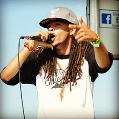"Dee-1 @Dee1music feeds the New Orleans #NOLA hungry with a ""Walking Revolution"" 