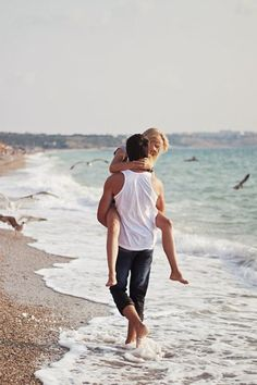 cute couple beach picture in the summer