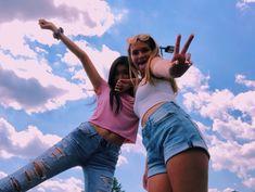 Discover ideas about best friend photos Photos Bff, Friend Photos, Bff Pics, Best Friend Photography, Girl Photography Poses, Korean Photography, Best Friend Poses, Shotting Photo, Photographie Portrait Inspiration