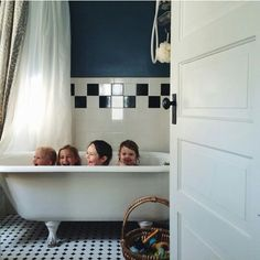41 Ideas bath time photography the beach Cool Baby, Baby Kind, Let Them Be Little, Little Ones, Family Goals, Family Life, Cute Kids, Cute Babies, Time Photography