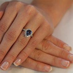 pretty saphire ring