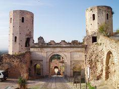 Le meraviglie dell'Umbria  Porta Venere, Spello, Umbria, Italy