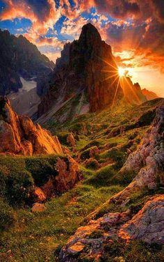 Beautiful places to visit Beautiful Sunset, Beautiful World, Beautiful Places, Beautiful Scenery, Cool Pictures, Beautiful Pictures, Beautiful Nature Photos, Nature Wallpaper, Amazing Nature