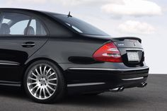 E Class - Mercedes-Benz E Class Tuning and Styling - Carlsson Mercedes Benz Sedan, Mercedes E Class, Benz E Class, Mercedes Benz Cars, Custom Mercedes, E55 Amg, Cars And Motorcycles, Luxury Cars, Classic Cars