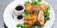 Máte rádi pikantní kuřecí kousky? Vyzkoušejte kuřecí kousky v těstíčku s omáčkou na thajský způsob.  1) Kuřecí kousky dejte do mísy, přidejte k němu...