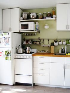 (Original as Re-Pinned)  Efficiency in a Tiny Apartment - Gallery