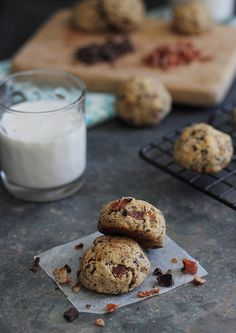 What makes a chocolate chip cookie better? Bacon.