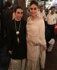 Picture Perfect: Kapoor Sisters Karisma and Kareena Look Ethereal at a Concert! | PINKVILLA