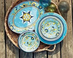 Finally I have found nice looking (non-cheap looking) melamine dinnerware...I want