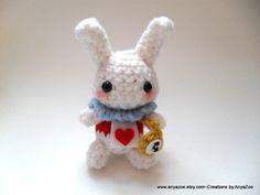 Weißes Kaninchen Amigurumi von AnyaZoe auf Etsy