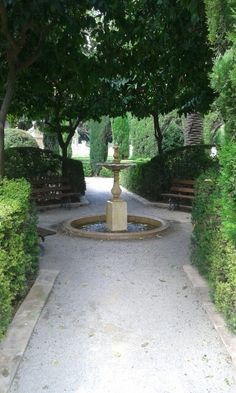 Rincón con fuente, Jardínes de Monforte. Valencia. España.