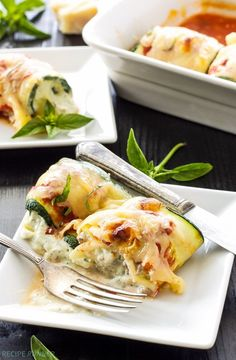 Zucchini Lasagna Rolls by reciperunner: Use zucchini instead of pasta in this healthy, gluten free lasagna recipe. Lasagna Rolls Recipe, Zucchini Lasagna Rolls, Recipe Zucchini, Healthy Dinner Recipes, Vegetarian Recipes, Cooking Recipes, Cooking Stuff, Vegetable Dishes, Vegetable Recipes