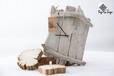 He encontrado este interesante anuncio de Etsy en https://www.etsy.com/es/listing/204523626/handcrafted-driftwood-wall-clock