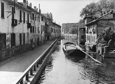 Martesana a Gorla nel 1925 01 - Gorla (quartiere di Milano) - Wikipedia Vintage Pictures, Old Pictures, Old Photos, Cool Places To Visit, Places To Travel, Vintage Photo Booths, Old Images, Milan Italy, Vintage Photography