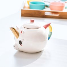 Transform that regular round of Earl Grey into a powerful mythical elixir by infusing your brews inside the Unicorn Teapot. It's a legendary blend of kitsch