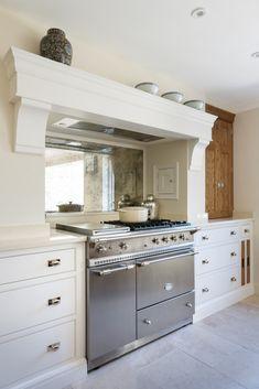 Luxury Kitchens Lacanche stainless steel range cooker in this stunning luxury bespoke kitchen by Humphrey Munson. Kitchen Interior, Kitchen Design Decor, Kitchen Cooker, Kitchen Mantle, Bespoke Kitchens, Luxury Kitchens, Kitchen Cooker Hood, Kitchen Style, Kitchen Chimney