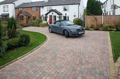A versatile small block styled for driveways, edges, paths or patio features.
