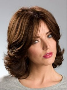 Trending Hairstyles 2019 - Cute Medium Length Hairstyles - EveSteps - Fashion and Hairstyles Medium Curly Haircuts, Cute Medium Length Hairstyles, Long Face Hairstyles, Haircuts For Long Hair, Medium Hair Cuts, Trending Hairstyles, Medium Hair Styles, Straight Hairstyles, Formal Hairstyles