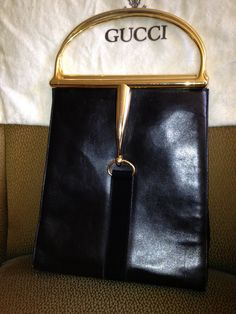 Vintage Gucci Black and Gold Leather Bag Gucci Handbags Vintage, Vintage Purses, Burberry Handbags, Vintage Bags, Luxury Handbags, Handbags Online, Chanel Handbags, Gucci Purses, Beautiful Handbags