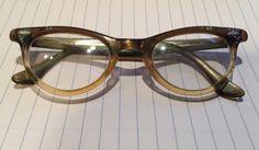 Vtg-Womens-Cat-Eye-Eyeglasses-Green-Bakelite-Jewel-Rhinestones-Rockabilly-PinUp