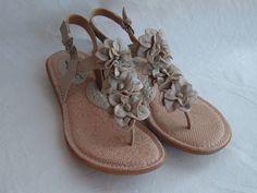 Born BOC Champagne Metallic Leather  Sandals Slingback w/ Flowers Size 6 #Born #Slingbacks