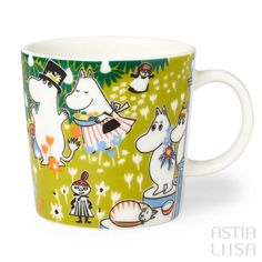 Arabia Tove's Jubilee Moomin Mug 0,3l, designed by Tove Slotte based on original Moomin illustrations by Tove Jansson. Find out more about Moomin mugs on our website 🔎Astialiisa.com⠀ 🌍 Free shipping on orders over 50 €! #moominmug #arabia #arabiafinland #nordichomes #finnishhomes #nordichome #nordicdishes #retrodishes #Finnishdesign #retrocups #Scandinaviandesign #Muumit #moomins #muumimuki #tovejansson #toveslotte #tove #arabiamoomins #coffeecup #moomin #moominpappa