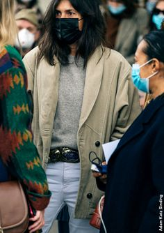 Emmanuelle Alt Style, Blazer En Tweed, Tweed Outfit, Jeanne Damas, Classic Outfits, Chic Outfits, Clothes Encounters, Bcbg, Rocker Style