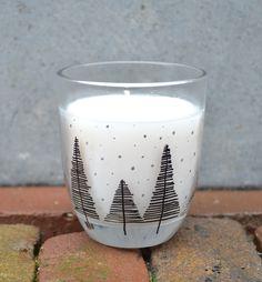 Gebruik de edding paintmarker op glas en verander zo gemakkelijk een glas in een Kerst decoratie