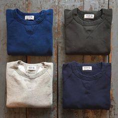New Sweatshirt Menswear Navy 56 Ideas Sweatshirt Refashion, Sweatshirt Outfit, Crew Neck Sweatshirt, Sweatshirt Makeover, Grey Sweatshirt, Polo Design, Grey Leather Jacket, Autumn Winter Fashion, Winter Style
