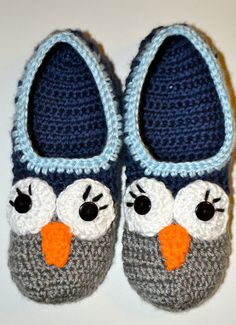 pattern is for sale, but you could always take the idea and adapt to a different pattern. Owl Crochet Patterns, Crochet Owl Hat, Crochet Slipper Pattern, Crochet Shoes, Crochet Baby Booties, Crochet Slippers, Crochet Gifts, Cute Crochet, Beautiful Crochet