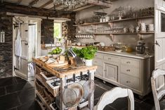 Ivy-clad cottage with a fairytale-like feel in Cumbria: Winterfell
