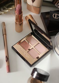 The Charlotte Tilbury Pillow Talk Collection. The Charlotte Tilbury Pillow Talk Collection. Glowy Makeup, Drugstore Makeup, Sephora Makeup, Makeup Items, Makeup Brands, Makeup Products, Beauty Products, Makeup Tools, Makeup Brushes