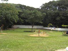 Infraestrutura:No Parque Previdência há comedouro de pássaros, área de estar, trilhas, pista de cooper e caminhada, sanitários, playgrounds, viveiro de animais, orquidário, espelhos d'água, Museu de Meio Ambiente e Centro de Convivência e Cooperativa (CECCO), equipamento gerenciado pela Secretaria Municipal da Saúde. Funcionamento: Diariamente, das 7h às 18h. Tel.: (11) 3721-8951