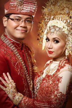 #PengantinMinang #Suntiang #Wedding #Minang