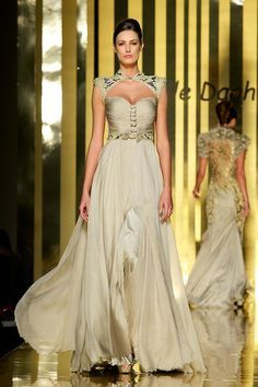 6df1fe55ee1 Mireille Dagher A W This is a beautiful dress!