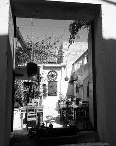 #croatia #hrvatska #hvar #hvarisland #travelphotography #travel #blackandwhitephotography #restaurant #lightandshadow #ristorante #alexatravels @_alexa_travels_ http://www.butimag.com/ristorante/post/1481705772165141370_4732146772/?code=BSQE4yjjJN6